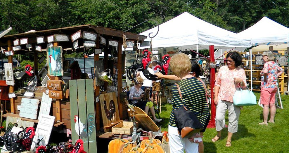 women buying art at the arts and craft show in jackson county