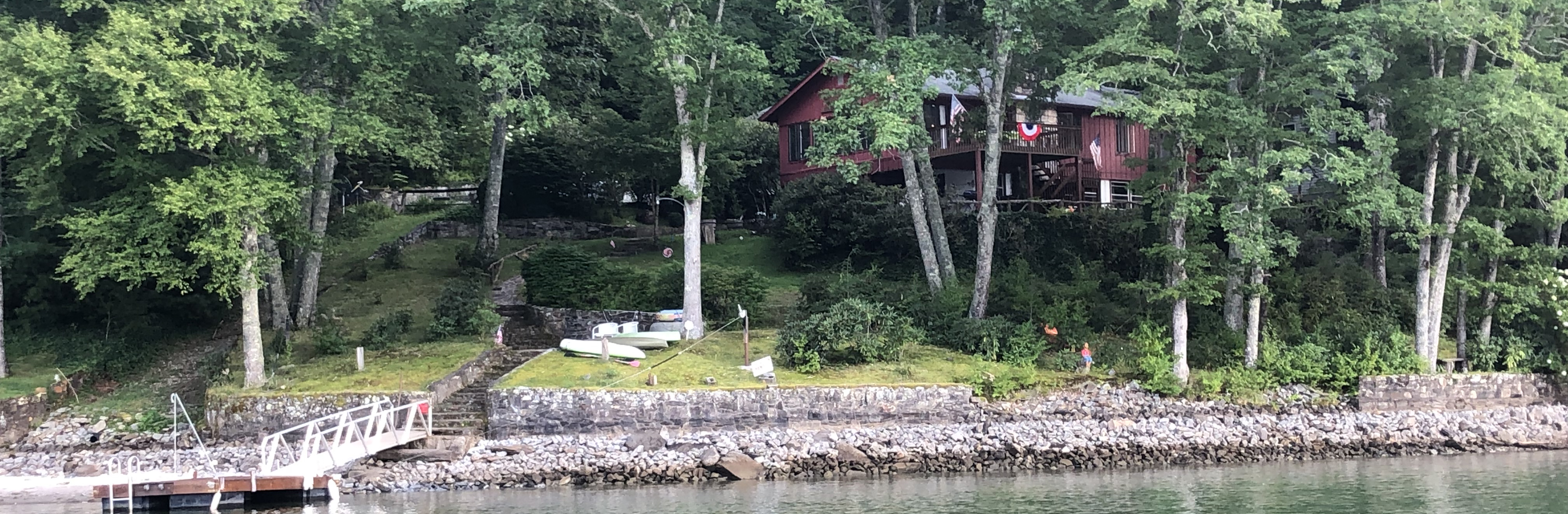 Photo of Red Bear Cabin on Lake Glenville